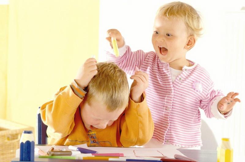 تفاوت-کودک-بازیگوش-و-بیش-فعال.jpg